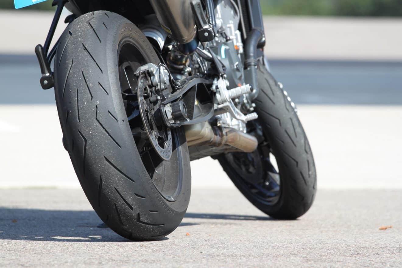 Quel pneu Pirelli choisir pour votre moto?